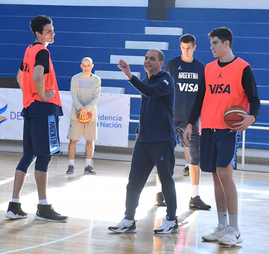 Sergio Hernández comanda el entrenamiento